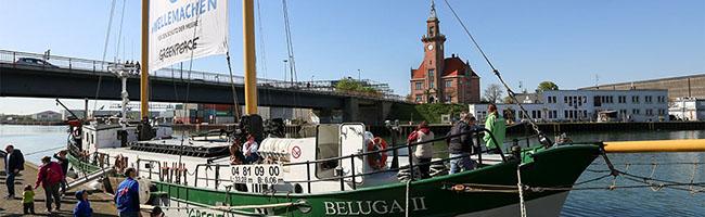 """Plastikmüll in den Weltmeeren: Greenpeace macht mit dem Schiff """"Beluga II"""" die Welle im Dortmunder Hafen"""