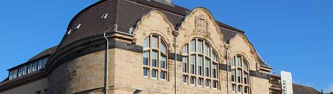 Denkmalgeschützte Fassade des Helmholtz-Gymnasiums: Sanierung mit viel Handarbeit kostete 1,5 Millionen Euro