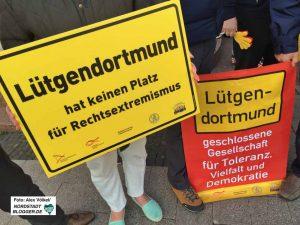 Die BürgerInnen machten ihre Meinung zur Neonazis-Mahnwache deutlich. Foto: Alex Völkel