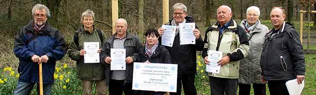 Baumpflanzung im Fredenbaumpark: Sechs Gartenvereine spendieren sechs Trauben-Eichen