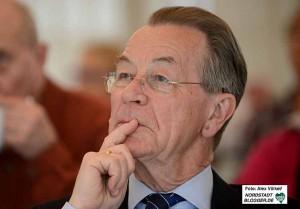Franz Müntefering ist Vorsitzender der Bundesarbeitsgemeinschaft Senioren - der Dachverband für Organisationen mit elf Millionen Mitgliedern.