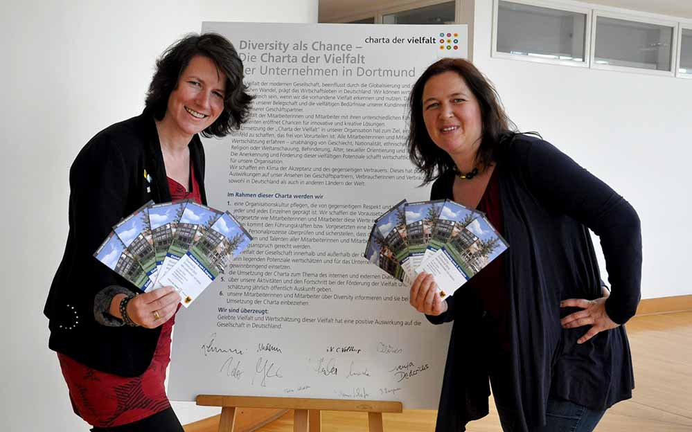 Susanne Hildebrandt, Leiterin der Koordinierungsstelle und die Gleichstellungsbeauftragte Maresa Feldmann.