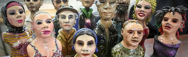 """Alltags- und Mythenwesen treffen auf Chimären:  Bei """"Freie Körper"""" ergänzen sich Bildhauerei und Fotografie"""