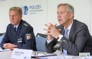 Polizeidirektor Dieter Keil und Polizeipräsident Gregor Lange. Foto: Klaus Hartmann