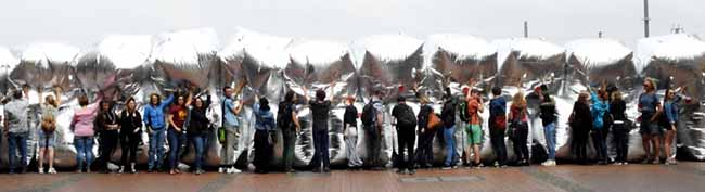 Video-Interview mit Kay Voges: Mit Spiegelwürfeln gegen Neonazis – Rechte Mobilisierungsaktionen in Dortmund