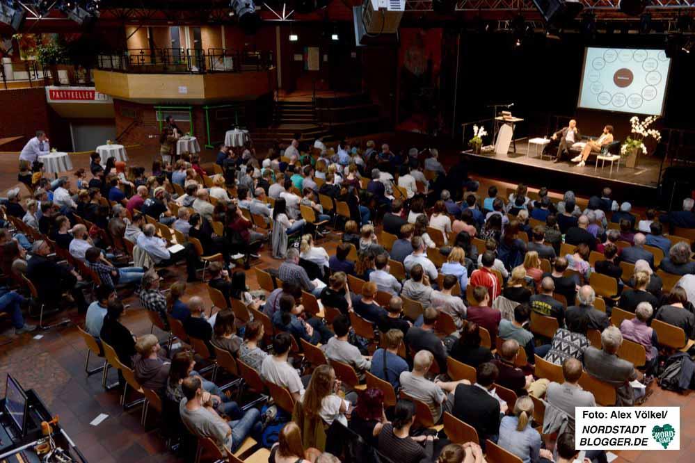Die ersten Talk-Veranstaltungen im Dietrich-Keuning-Haus waren stets gut besucht. Fotos: Alex Völkel