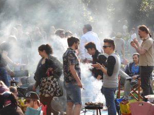 """Sehr beliebt: Das Grillen am Vatertag""""."""