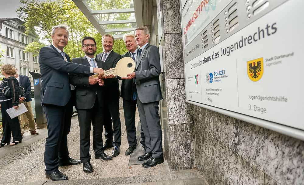 """In Dortmund wurde jetzt das """"Haus des Jugendrechts"""" durch Justizminister Thomas Kutschaty und Innenminister Ralf Jäger eröffnet."""