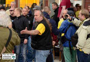 Auch Nicht-JournalistInnen dürfen Aufnahmen von Demonstrationen machen.