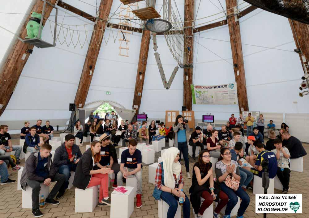Rund 100 Jugendliche haben am stadtweiten Jugendforum im Big Tipi teilgenommen.