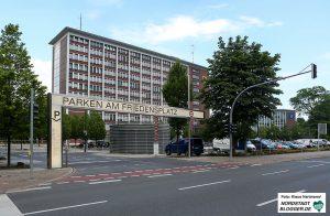 Dortmunder Denkmalhefte: Im Brunnen der Familie Heuner. Das Parkhaus Friedensplatz vor dem Stadthaus