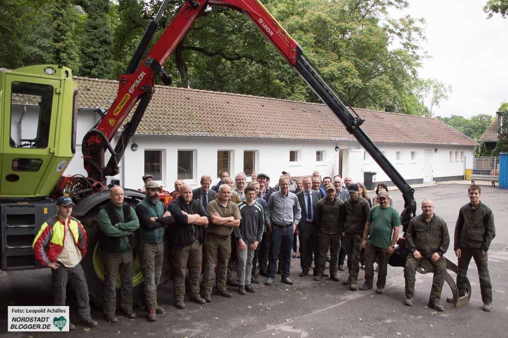 Das Team des Forstbetriebs Westerholz im Fredenbaumpark ist froh über die erfolgte Sanierung.