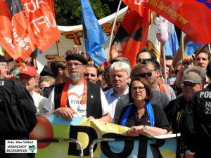 Rund 3000 Menschen nahmen an der Demo des Arbeitskreises gegen Rechtsextremismus teil. Foto: Alex Völkel