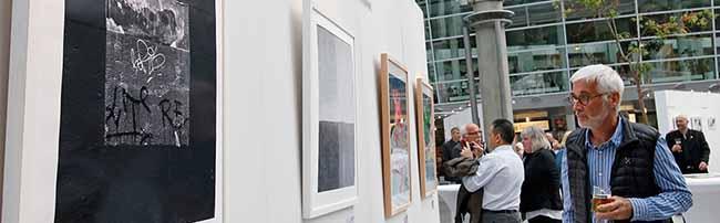 """Wer kommt in den Kunst-Kalender? Ausstellung """"Grafik aus Dortmund"""" zeigt Bewerbungen in der Berswordthalle"""