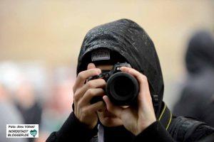 Neonazis filmen Journalisten und Gegendemonstranten - so auch am besagten 23.08.2014.