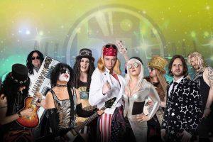 """Für die passende Musik auf der großen Showbühne sorgt die Band """"Hit Radio Show""""."""