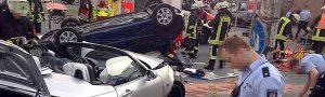 Auf der Leopoldstraße ereignete sich am Freitagabend ein schwerer Verkehrsunfall. Foto: Leopold Achilles