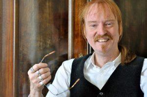 """Carsten Bülows Soloprogramm """"Verehrt und angespien! Das Testament des Francois Villon"""" ist im Kultur- und Tagungszentrum Wichern zu sehen."""
