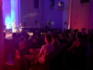 Die Akustik in der Kirche gefällt vielen Gästen.