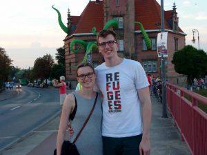 Philipp Schulte und seine Freundin Lea aus Hamburg gucken zufrieden um sich.