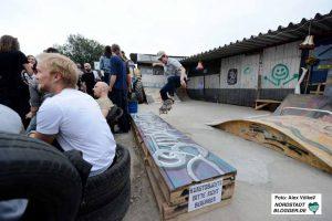 Auf dem Außengelände soll ein Skatepark entstehen - einen Vorgeschmack gab es schon jetzt.