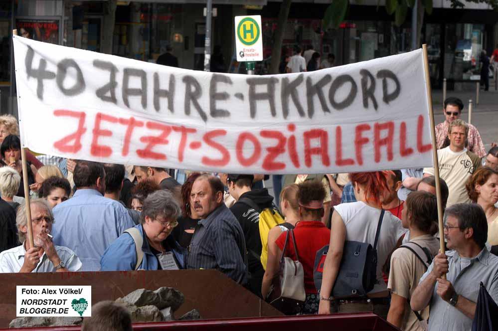 Groß war das Interesse an der ersten Dortmunder Montagsdemo. 14 Jahre ist das her. Archivbild: Alex Völkel