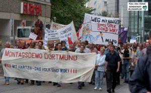 Groß war das Interesse an der ersten Dortmunder Montagsdemo. 15 Jahre ist das her.