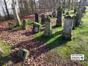 In Aplerbeck gibt es zwei kleine jüdische Friedhöfe bzw. Grabfelder.