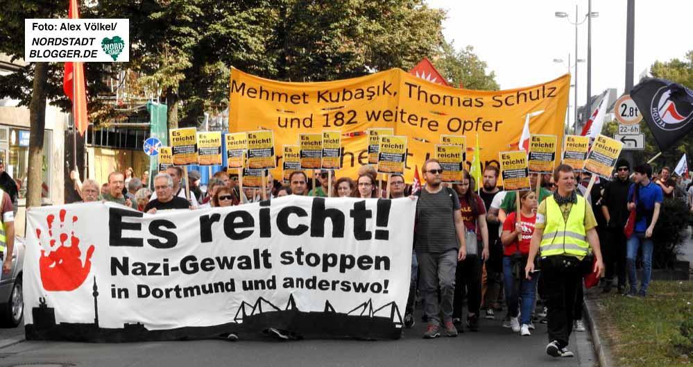 Mehr als 40 Gruppen hatten zur Teilnahme an der Demo aufgerufen. Fotos: Alex Völkel und Leopold Achilles