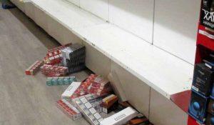 Die Diebe räumten große Teile des Zigarettenlagers aus - der Schaden ist immens.