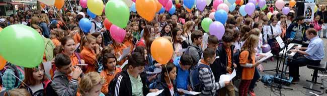 """""""Na klar! Wir Kinder haben Rechte!"""":Großes Fest zum Weltkindertag auf dem Friedensplatz in Dortmund"""