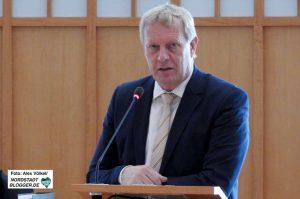 Kämmerer Jörg Stüdemann zeigt sich optimistisch. Foto: Alex Völkel