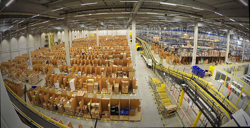 Vergleichbar wie das Lager in Rheinberg soll auch das neue Zentrum in Dortmund aussehen. Foto: Amazon
