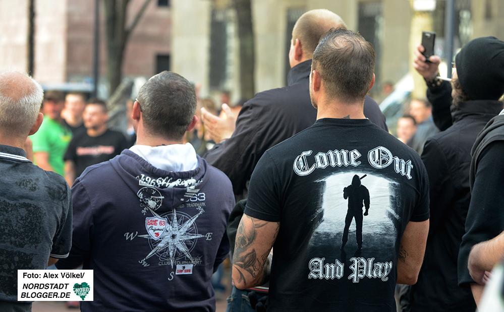"""Die Polizei er wartet viele Hooligans der Kategorie C - """"Gewalt suchend"""" - in Dortmund."""