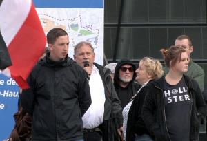 Auch am Tag der Deutschen Einheit griff Klaus Schäfer zum Mikro. Foto: Marcus Arndt