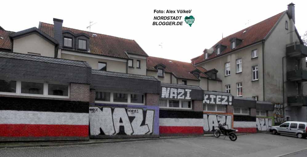 Der selbsterklärte Neonazi-Kiez in der Emscherstraße ist nicht nur der Polizei ein Dorn im Auge.