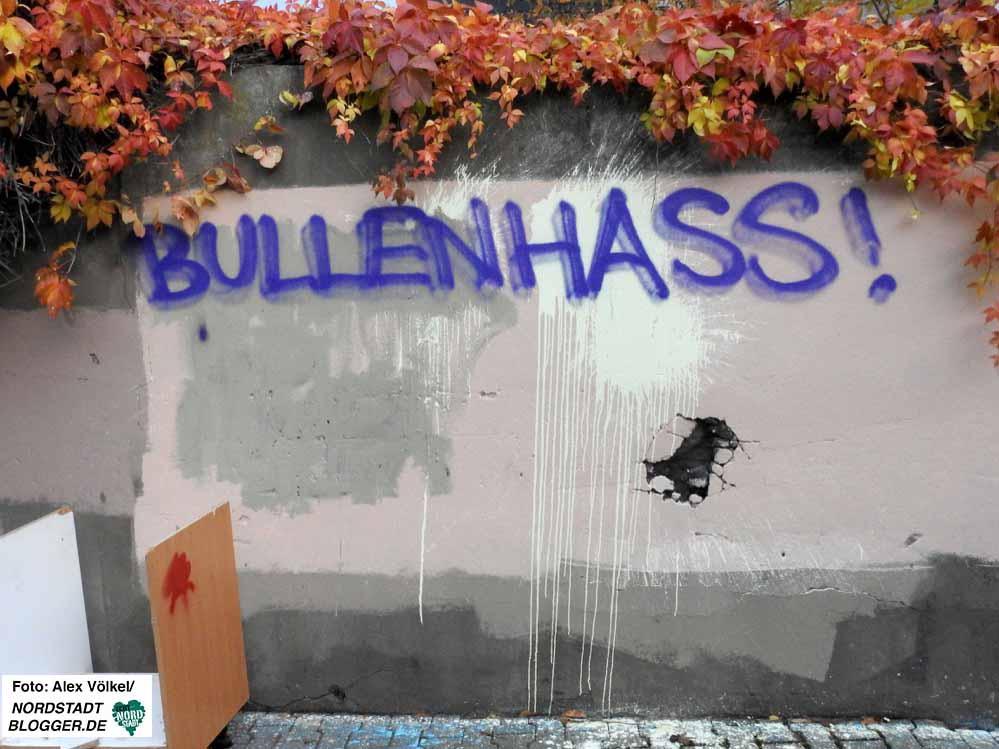 Amtsgericht Vier Monate Auf Bewährung Wegen Widerstand Und