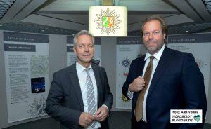 Polizeipräsident Gregor Lange stellte den neuen Staatsschutzchef Karsten Plenker vor. Foto: Alex Völkel