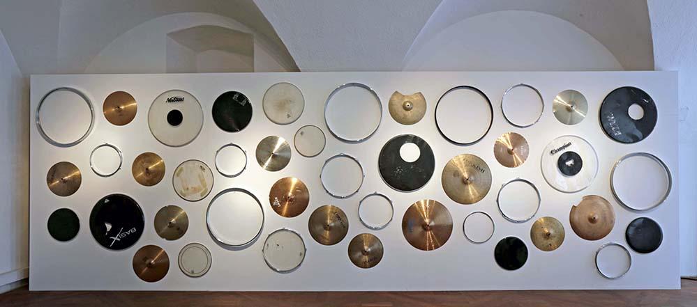 Drum Roll, 2015-2016 Installationsansicht Im Ersten, Wien Courtesy Galerie MARTINETZ Foto: Sophie Thun