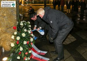 Auch in diesem Jahr wird auf dem Platz der Alten Synagoge ein Gedenkkranz niedergelegt.