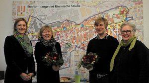 Viel Lob für Helga Beckmann und Alexander Kutsch gab es von Susanne Linnebach (li.) und Petra M. Paplewsky (re.).