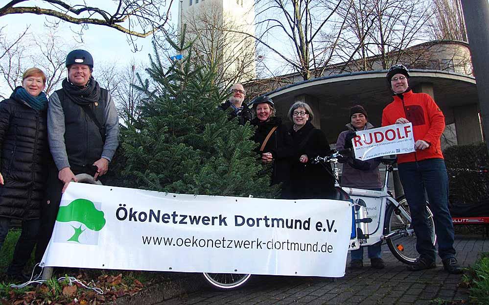 Zum vierten Mal bietet das ÖkoNetzwerk bereits einen Bio-Weihnachtsbaumverkauf an.