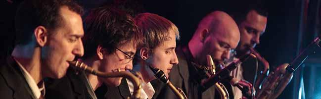 """""""The Show must go on"""" an der Musikschule Dortmund: Uwe Plath ist offiziell Leiter der Glen-Buschmann-Jazzakademie"""