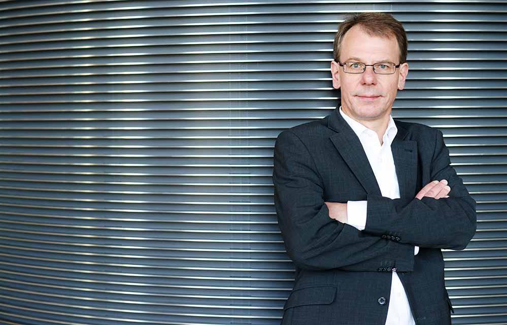 Markus Kurth gehört dem Deutschen Bundestag seit 2002 an und ist Obmann der Grünen im Bundestagsausschuss für Arbeit und Soziales.