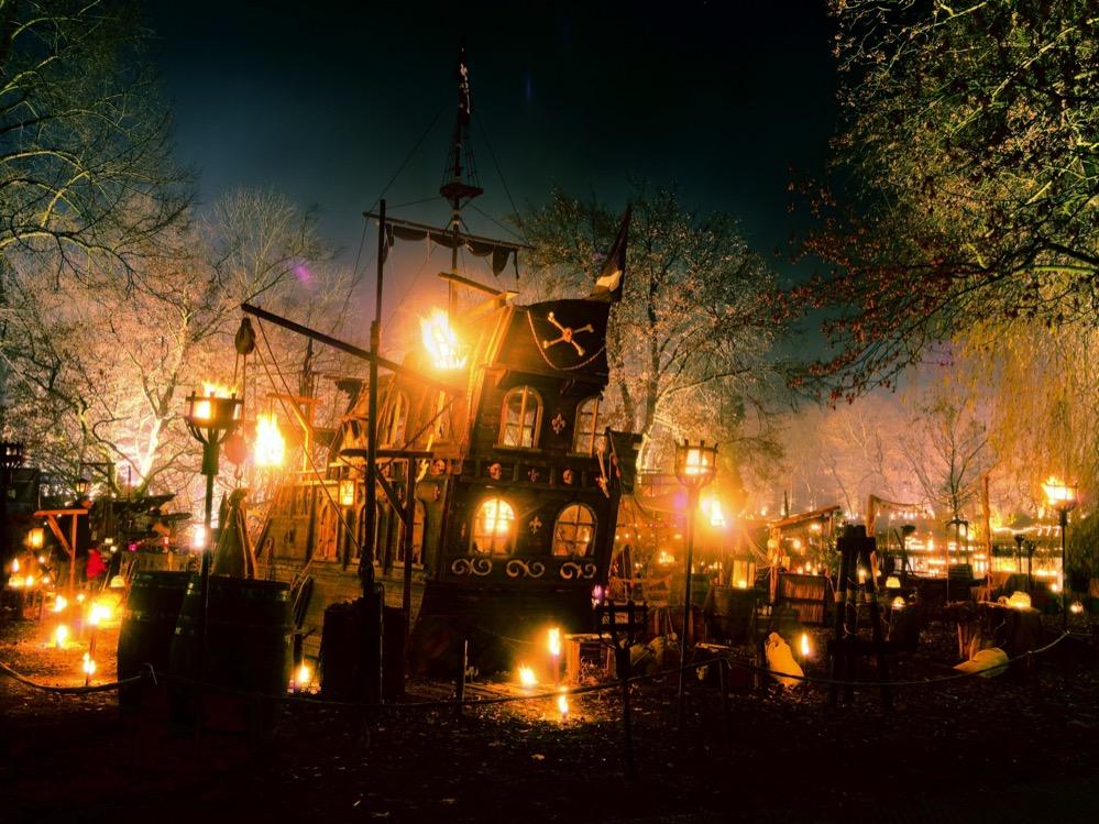 Der mittelalterliche Weihnachtsmarkt im Fredenbaumpark ist eine ungewöhnliche Attraktion.