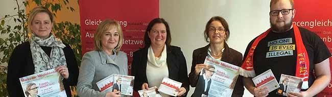 """""""Frauen, mischt mit"""": Im Dortmunder Rathaus gibt es auf dem Markt der Möglichkeiten viele Informationen"""
