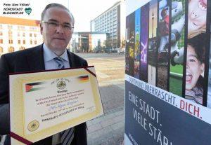 AGNRW-Präsident Klaus Wegener ist im vergangenen Jahr die Ehrenbürgerwürde der Stadt Dura verliehen worden.