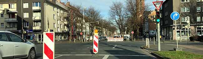 Kanalbauarbeiten in der Kirchenstraße:  Straßensperrungen im Bereich der Schützenstraße halten noch länger an