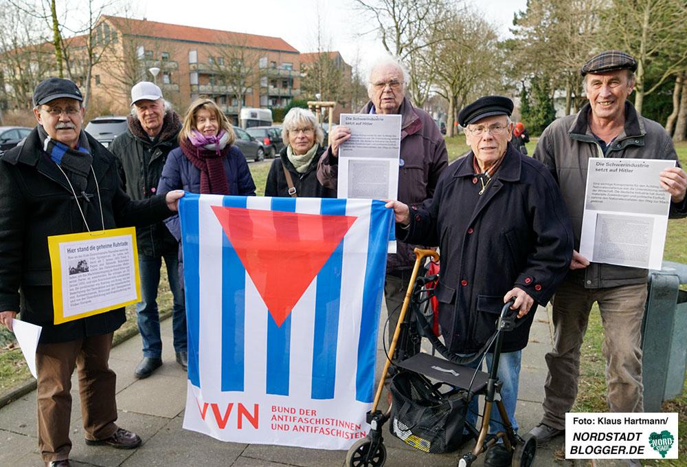 Mahnwache an der Villa Springorum und Gedenken am Mahnmal für Sinti und Roma des VVN und des Bündnisses Dortmund gegen Rechts.
