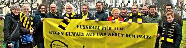 """""""Fußball für alle – Gegen Gewalt"""": Nordstadt-Aktive und BVB-Freunde setzten am Borsigplatz klare Zeichen"""
